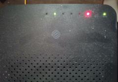 家里网络用不了,路由器一直亮红灯怎么修复?